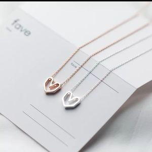 NWT S925 Geometric Heart Pendant Necklace 🌸🖤